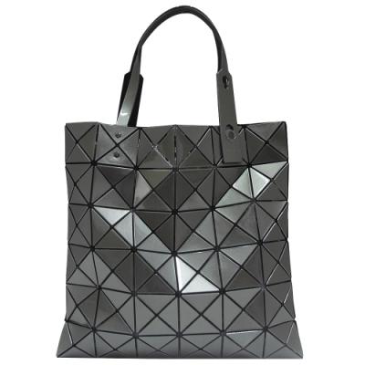 ISSEY MIYAKE 三宅一生BAOBAO金屬亮面方格6x6手提包-深灰色