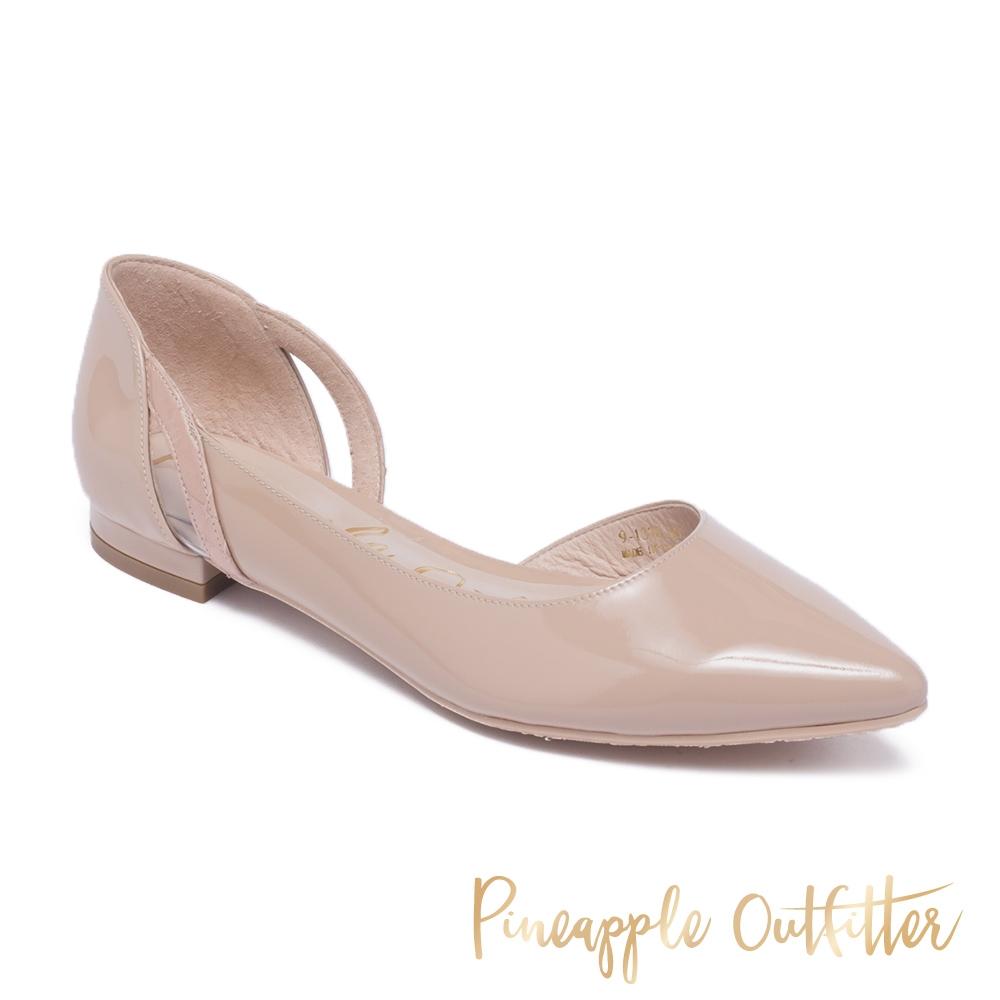 Pineapple Outfitter-DAISY質感羊皮側挖空尖頭低跟鞋-春嫩粉