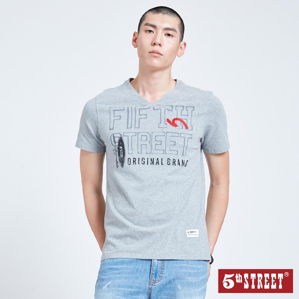 5th STREET 衝浪板V領短袖T恤-男-麻灰