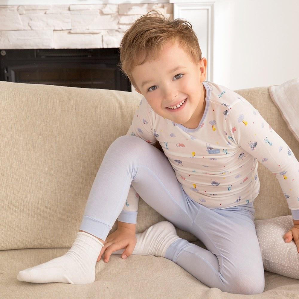 奇哥 長頸鹿圓領套裝/居家服-羊毛保暖布 6-10歲 (2色選擇)