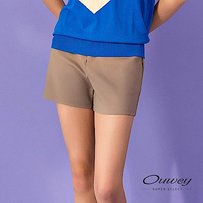 OUWEY歐薇 時尚線條剪裁舒適棉質短褲(可)