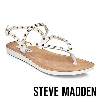 STEVE MADDEN-KNOX 金色鉚釘羅馬繫帶平底涼鞋-白色