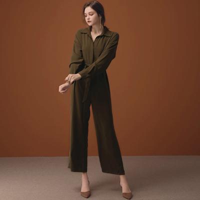 AIR SPACE LADY 隨性素面襯衫式連身褲(附綁帶)(軍綠)