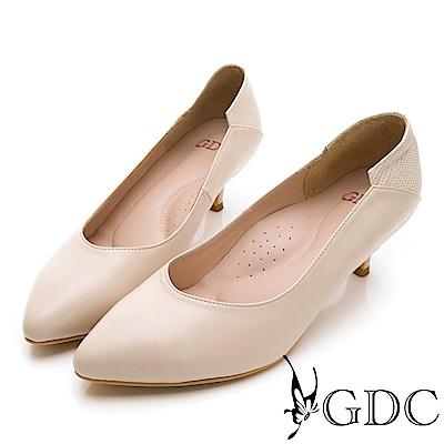 GDC-基本素面百搭上班小姐姐低跟包鞋-米色