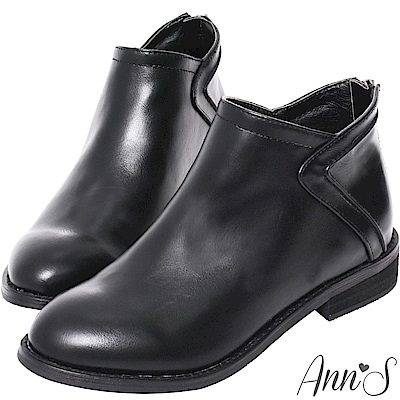 Ann'S高實穿性-立體縫線顯瘦V型切口平底短靴-黑