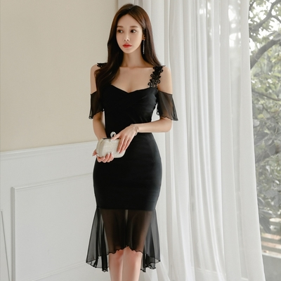 優雅貴氣黑花蕾吊帶透紗裙擺洋裝L-XL-Sexy Devil
