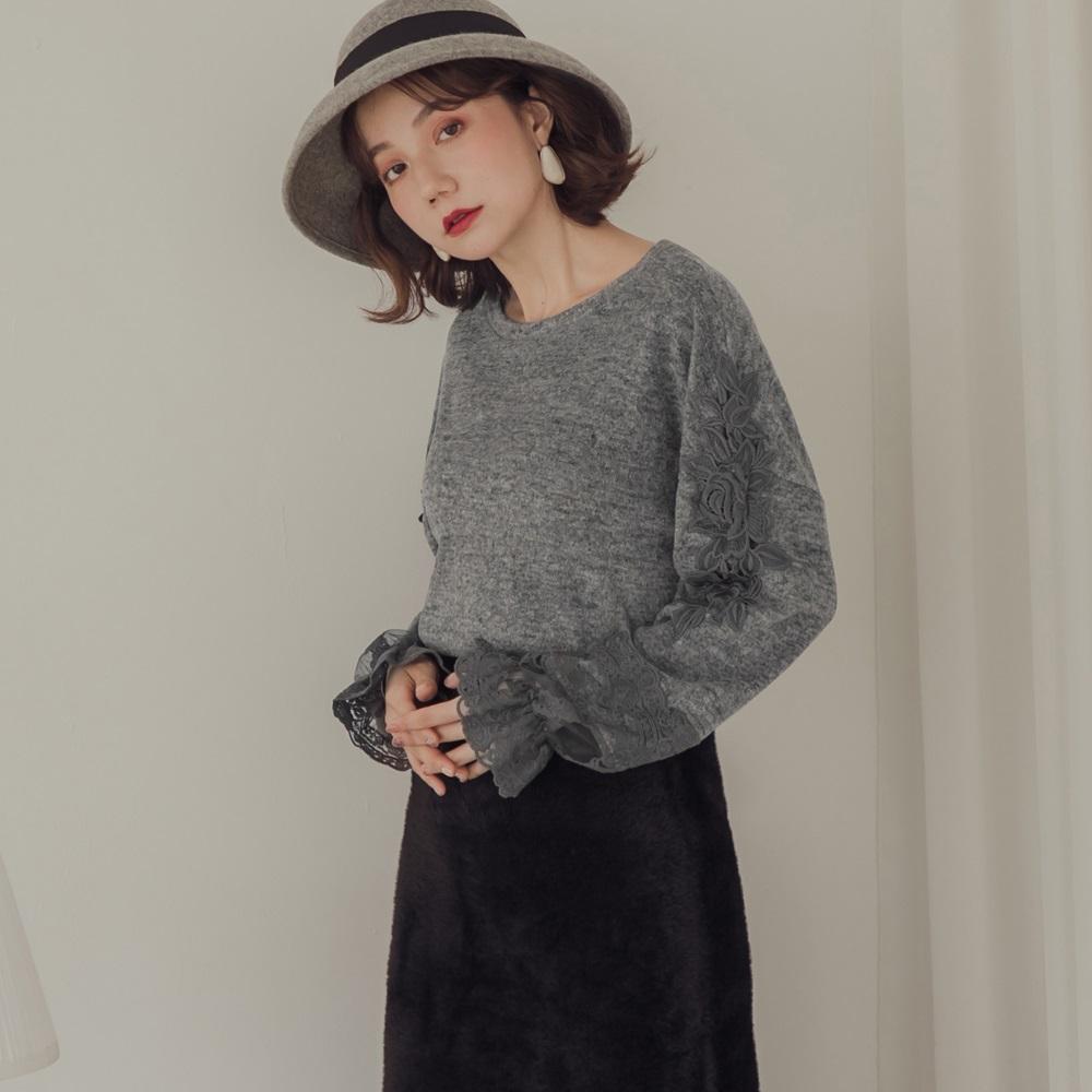 純色磨毛布蕾絲拼接袖口長袖上衣-OB嚴選