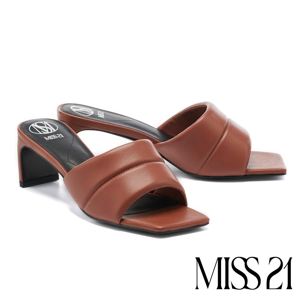 拖鞋 MISS 21 時髦潮感一字帶方頭高跟拖鞋-棕