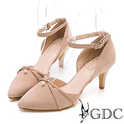 GDC-氣質名媛羊絨交叉珍珠扣飾繞帶尖頭鞋-裸色