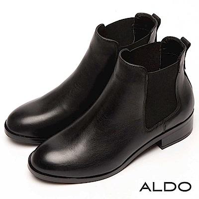 ALDO 原色真皮U字筒圍雙車線釦帶木紋粗跟短靴~尊爵黑色