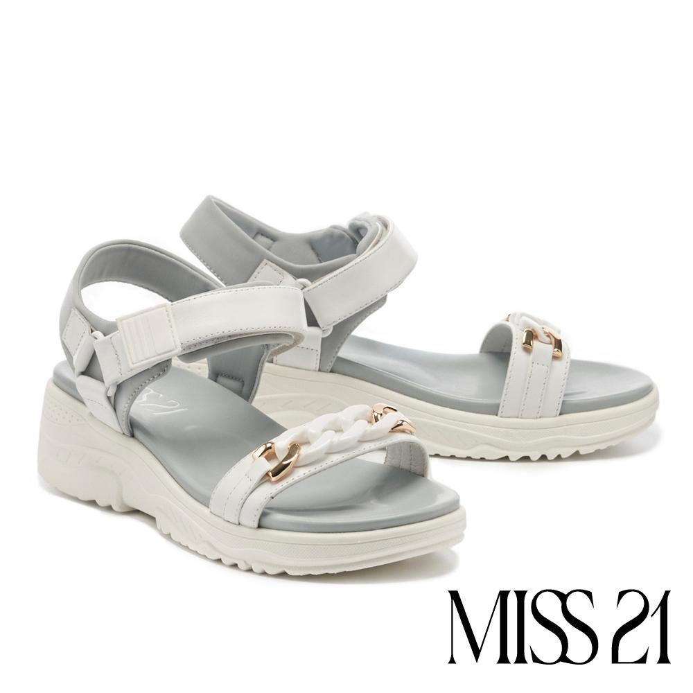 涼鞋 MISS 21 率性休閒異材質金屬粗鏈魔鬼氈厚底涼鞋-白