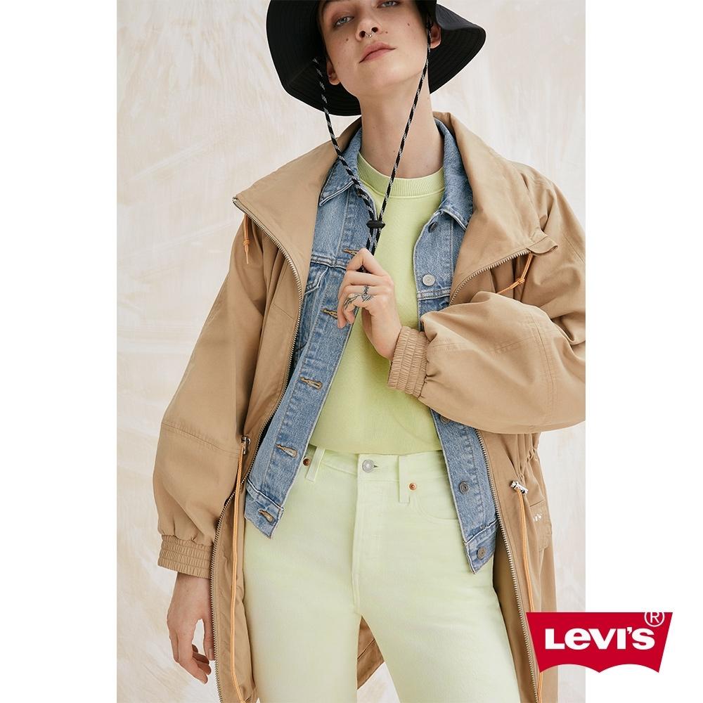 Levis 女款 長版工裝風抽繩卡其風衣外套 春夏形象款
