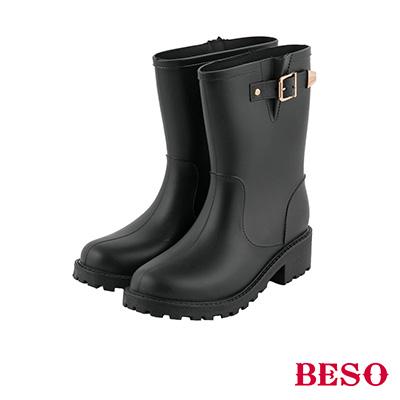 BESO街頭時髦 經典帶釦霧面短筒雨靴~黑