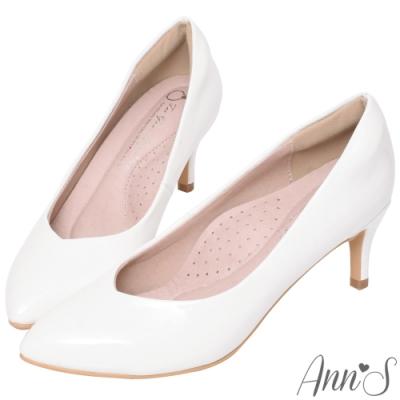 Ann'S魔術軟漆V口顯瘦低跟尖頭包鞋-白(版型偏小)