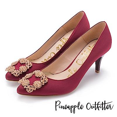 Pineapple Outfitter 璀璨名媛 方鑽飾釦尖頭高跟鞋-紅色