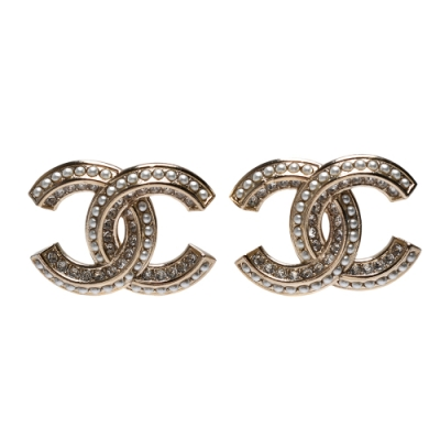 CHANEL 經典大CC LOGO水鑽/珍珠鑲飾造型穿式耳環(金色)