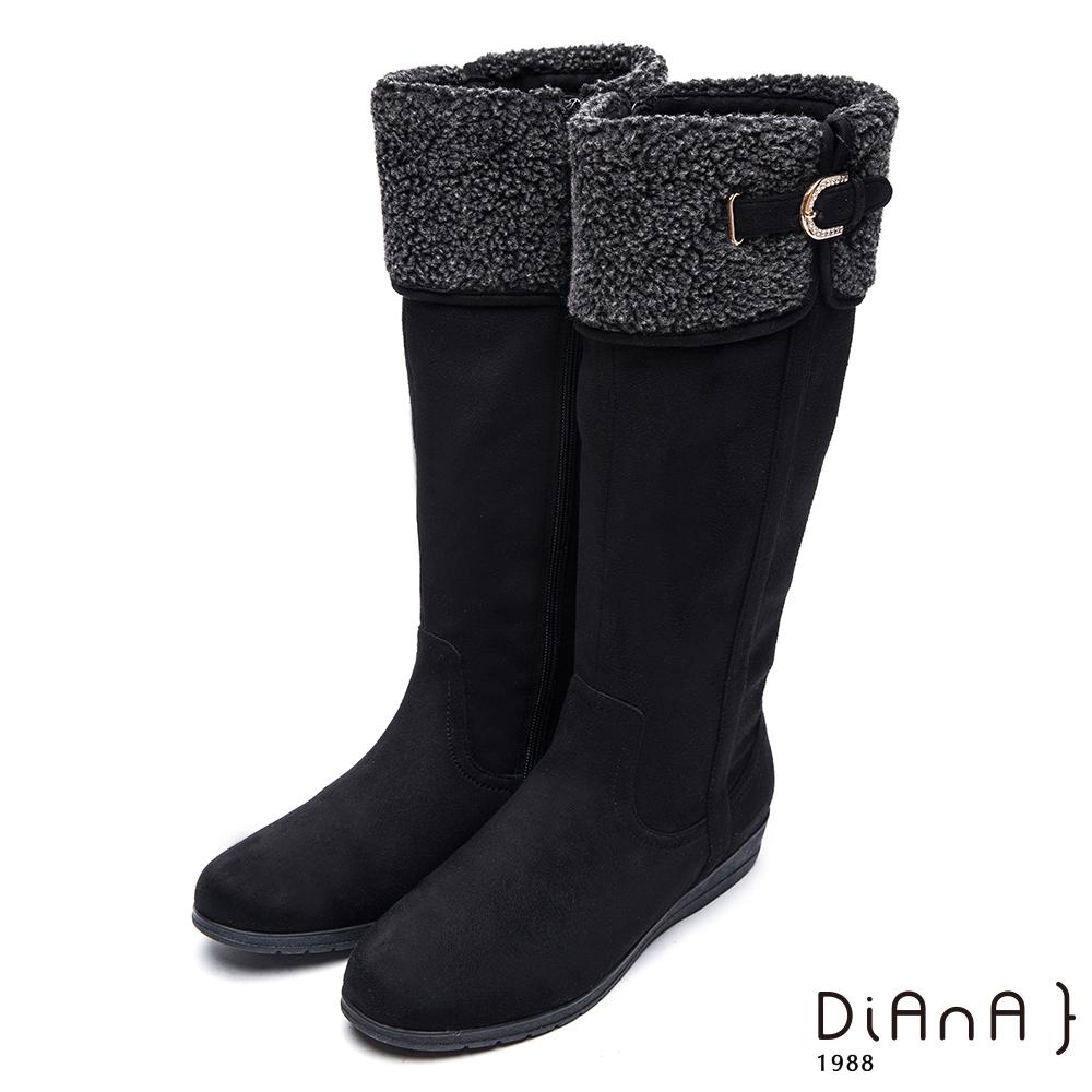 DIANA翻領羔羊毛D字釦鑽飾羊絨厚底長靴-俏麗有型-黑