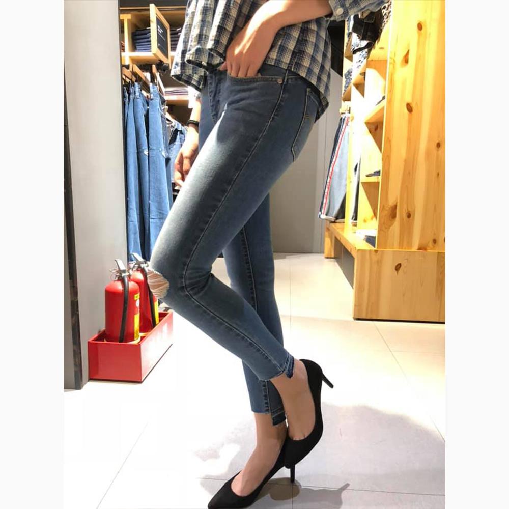 Levis 女款 Revel 中腰緊身提臀牛仔長褲 超彈力塑型布料