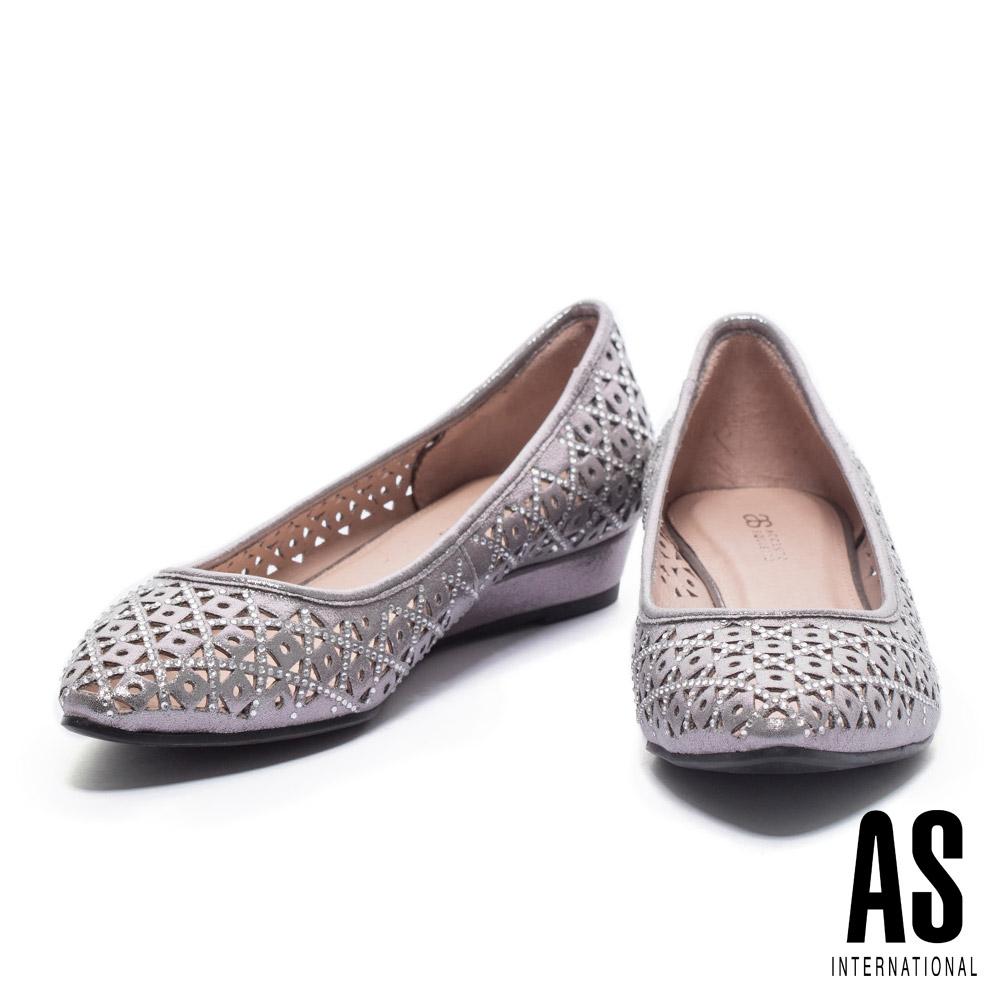 低跟鞋 AS 璀璨浪漫晶鑽沖孔造型尖頭低跟鞋-銀