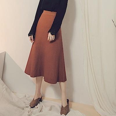 純色腰鬆緊直坑條針織圓裙-OB大尺碼