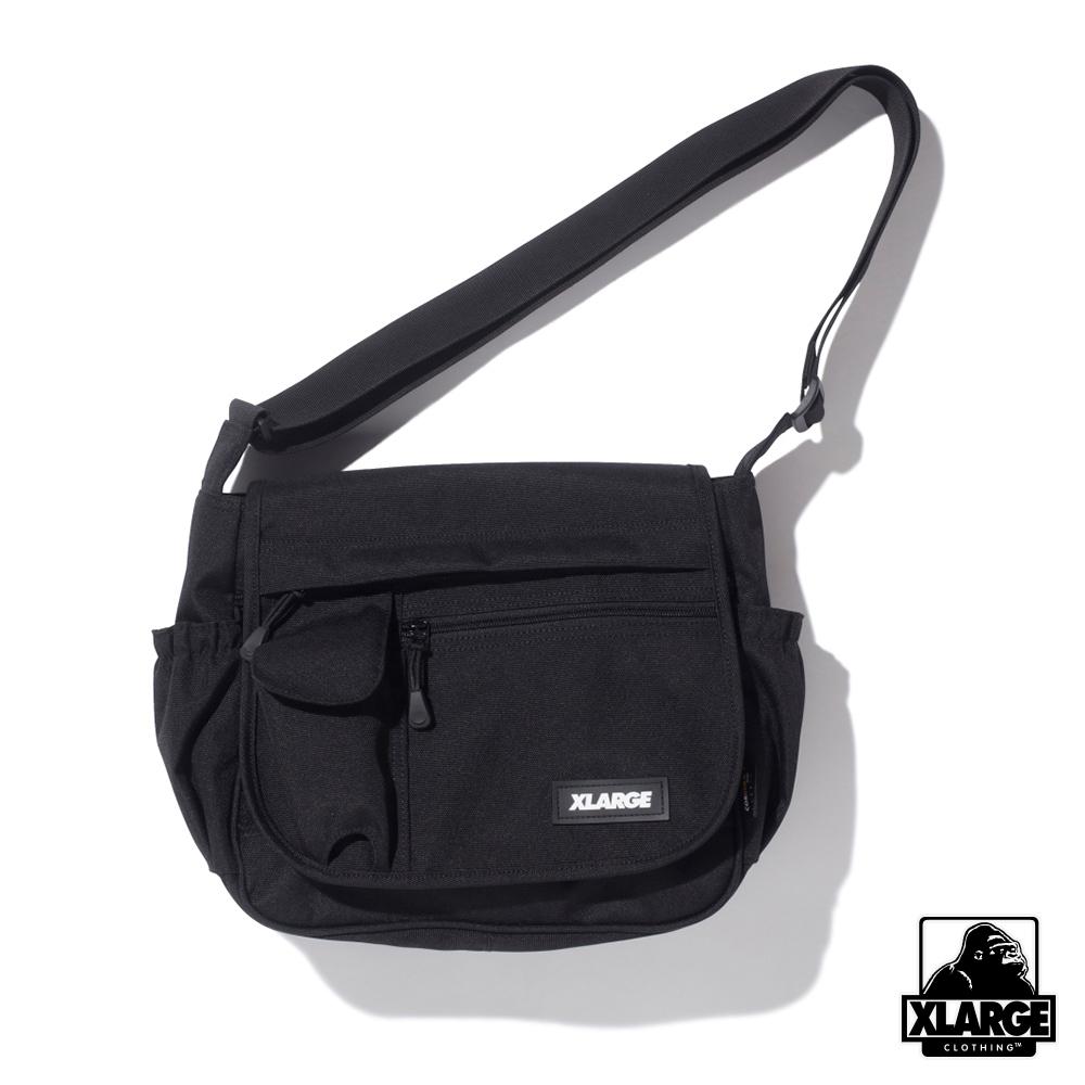 XLARGE PATCHED SHOULDER BAG側背包-黑