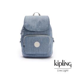 Kipling 淺色丹寧藍掀蓋拉鍊後