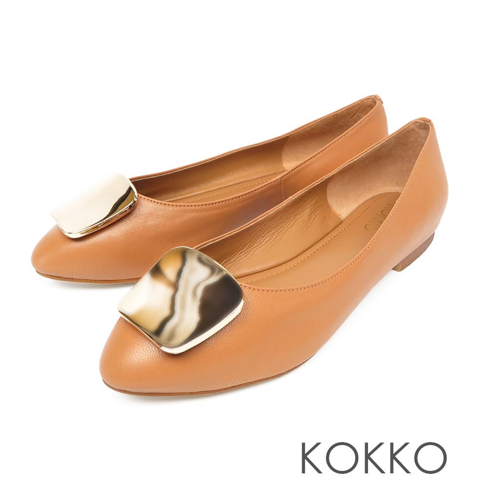 KOKKO - 溫柔的光亮金屬扣手工平底鞋-餅乾棕
