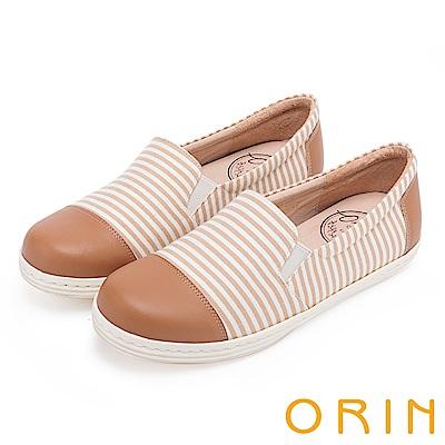 ORIN 引出度假氣氛 簡約條紋休閒平底便鞋-棕色