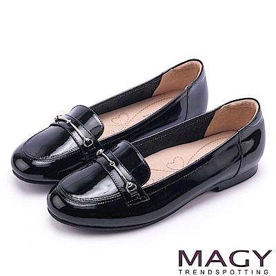 MAGY 文青學院風 簡約金屬釦環牛皮樂福鞋-黑色