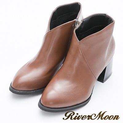 River&Moon短靴-極簡前V微尖頭粗跟短靴-咖棕