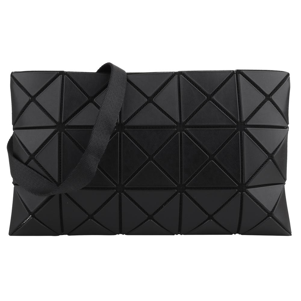 ISSEY MIYAKE  BAOBAO 透光幾何方格3x5斜背扁包(黑)霧面