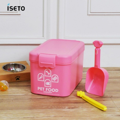 【nicegoods】日本ISETO 粉彩寵物飼料密封收納桶(附夾勺)-7L