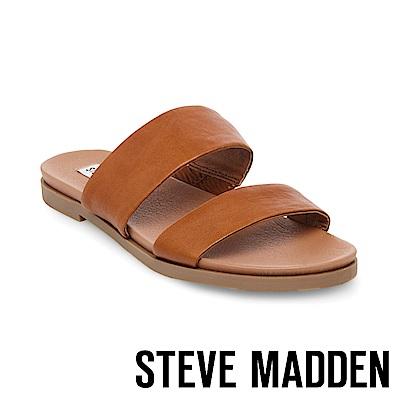 STEVE MADDEN-JUDY真皮寬版二字帶拖鞋-棕色