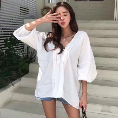 La Belleza雙V領前胸包釦壓摺排釦燈籠袖絲滑料上衣