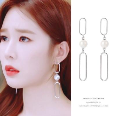 梨花HaNA 韓國925銀觸及真心劉仁娜長型珍珠鏤空耳環