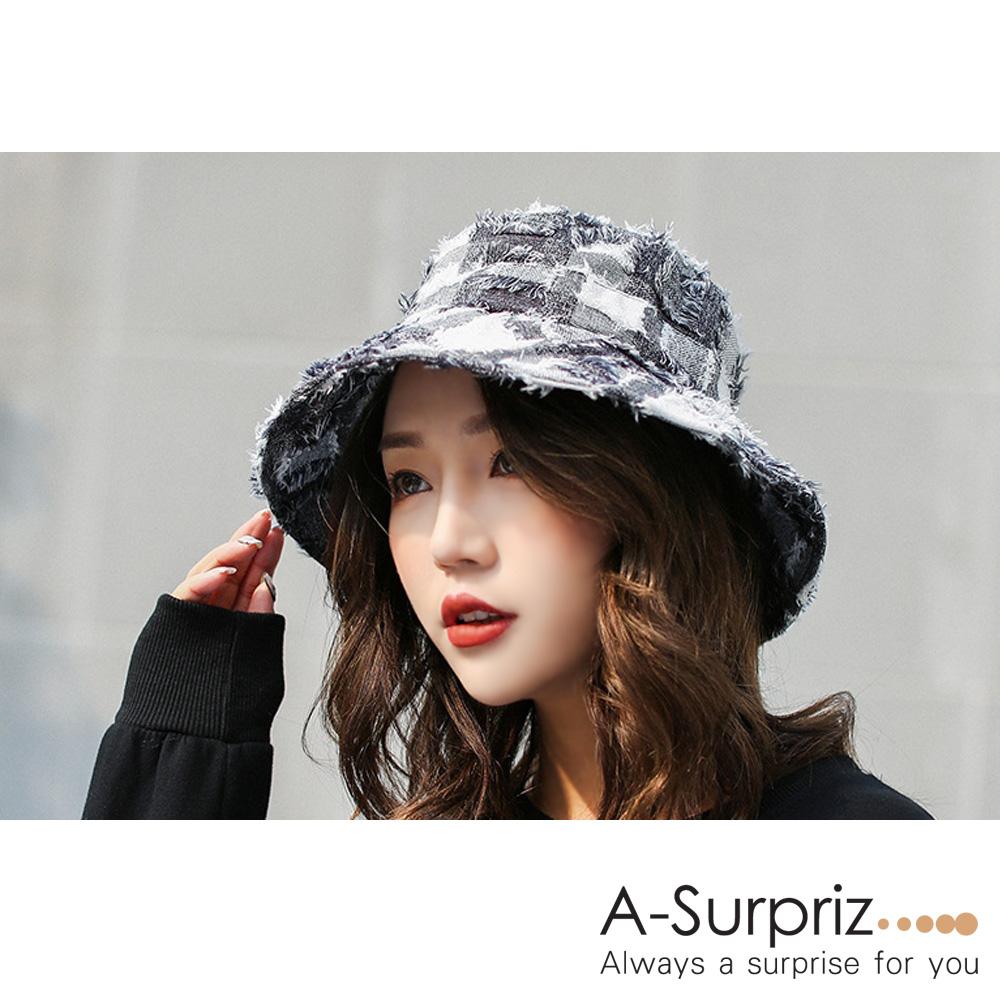 A-Surpriz 方格紋毛鬚邊漁夫帽(灰白)