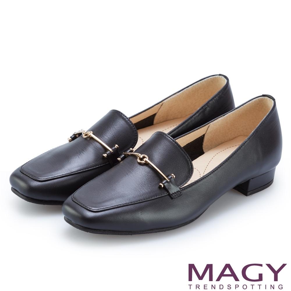 MAGY 氣質金屬釦真皮百搭 女 平底鞋 黑色