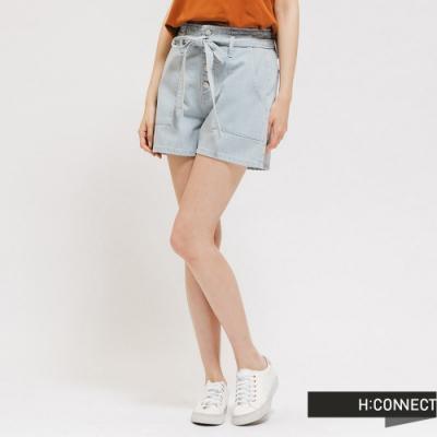 H:CONNECT 韓國品牌 女裝 -高腰排扣綁帶牛仔短褲 - 藍