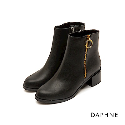達芙妮DAPHNE 短靴-素色圓頭個性金屬圓環粗跟短靴-黑