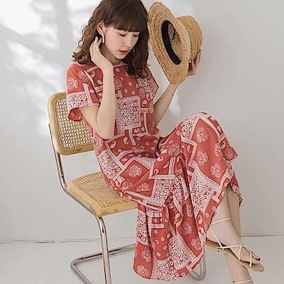 不易皺渡假感印花荷葉裙襬拼接短袖長洋裝-OB大尺碼