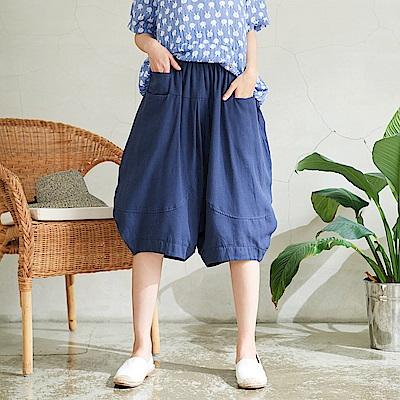 慢 生活 鬆緊腰寬版燈籠短褲-藍色