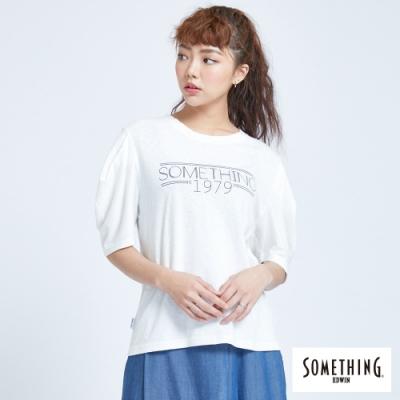 SOMETHING 印花落肩寬袖T恤-女-白色