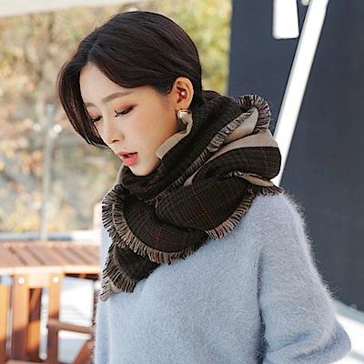 梨花HaNA 韓國氣質千鳥格紋經典鑲邊墨綠米披肩圍巾