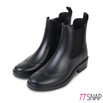 TTSNAP雨靴-圓頭精緻雕花卻爾西短筒防水靴 黑