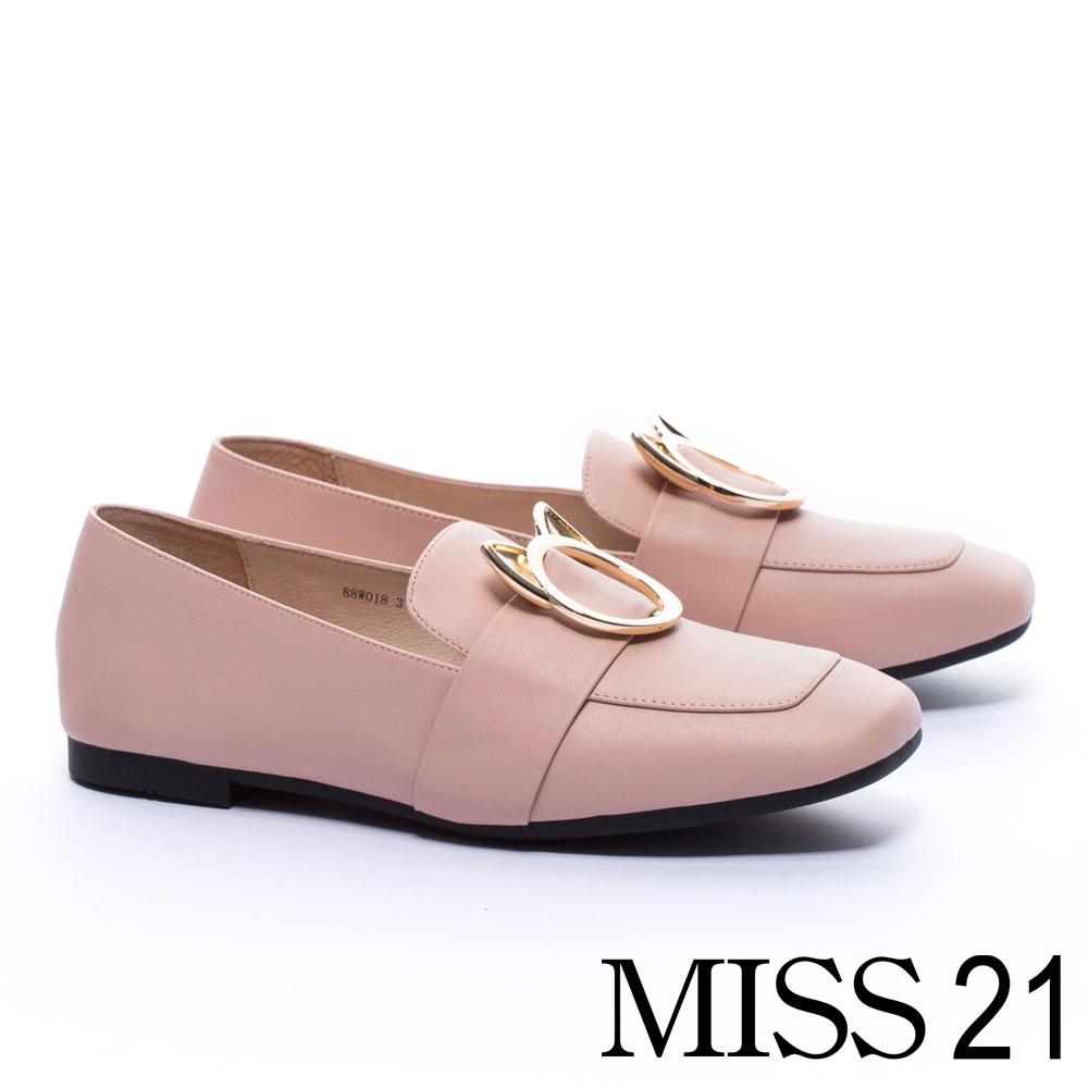低跟鞋 MISS 21 復古俏皮小貓釦飾全真皮方頭低跟樂福鞋-粉
