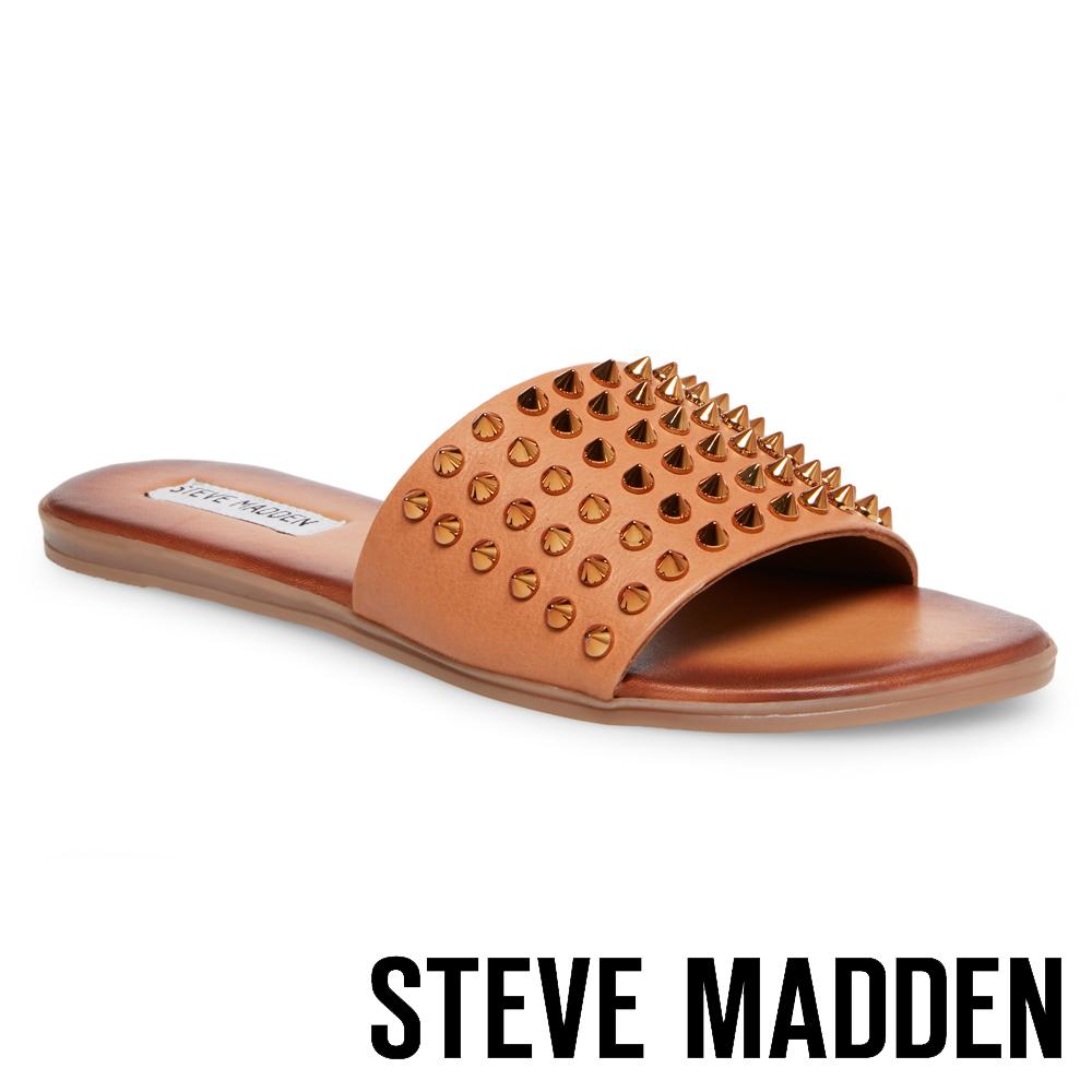 STEVE MADDEN FARRYN  帥氣皮革鉚釘一字拖鞋-棕色