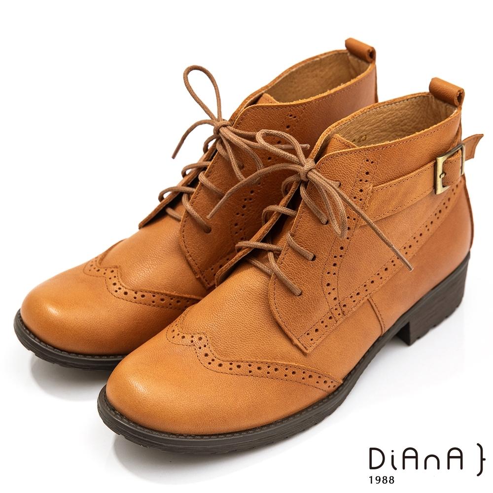 DIANA 7公分雙色牛皮側拉鍊蝴蝶扭結粗跟踝靴-細緻品味-拿鐵棕