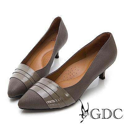GDC-尖頭羊漆皮撞色異材拼接中跟包鞋-灰色