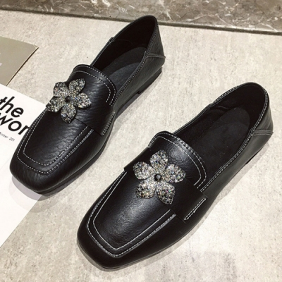 KEITH-WILL時尚鞋館 賣瘋了甜美水讚花朵樂福鞋-黑
