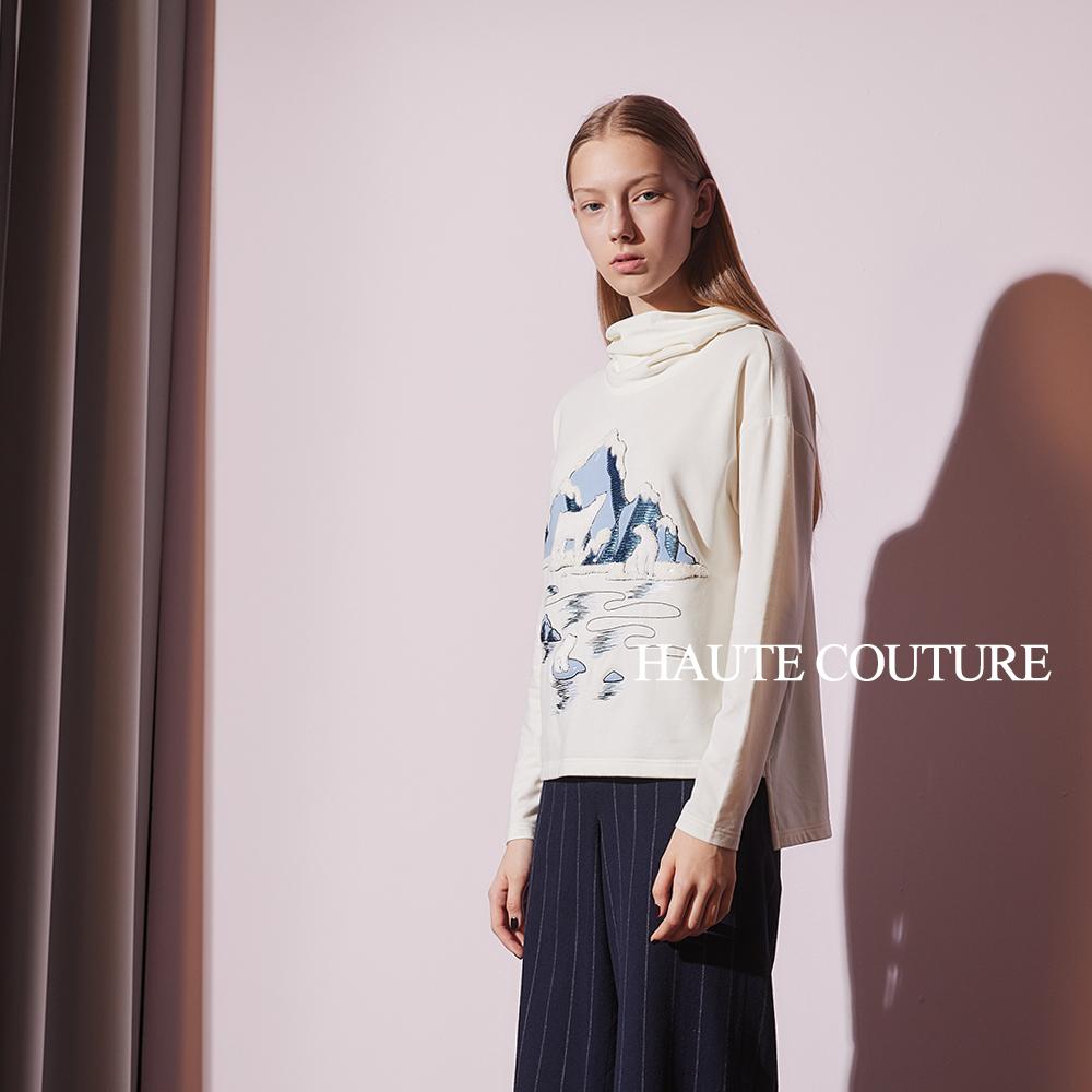 Haute Couture 高定系 微鬆糕立領時尚趣味印花T恤造型上衣(兩色)-椰奶白